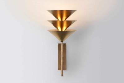 Making of Light - Come si fa la luce - La new elegance nella luce - Volker Haug lampada parete luce indiretta - Originale