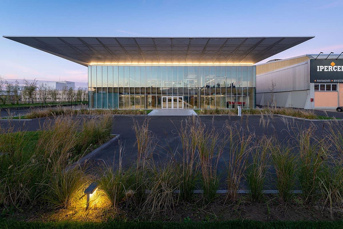 01 Making Of Light Nuovo Landmark Trasparente Headquarter Iperceramica @giovanni De Sandre 1