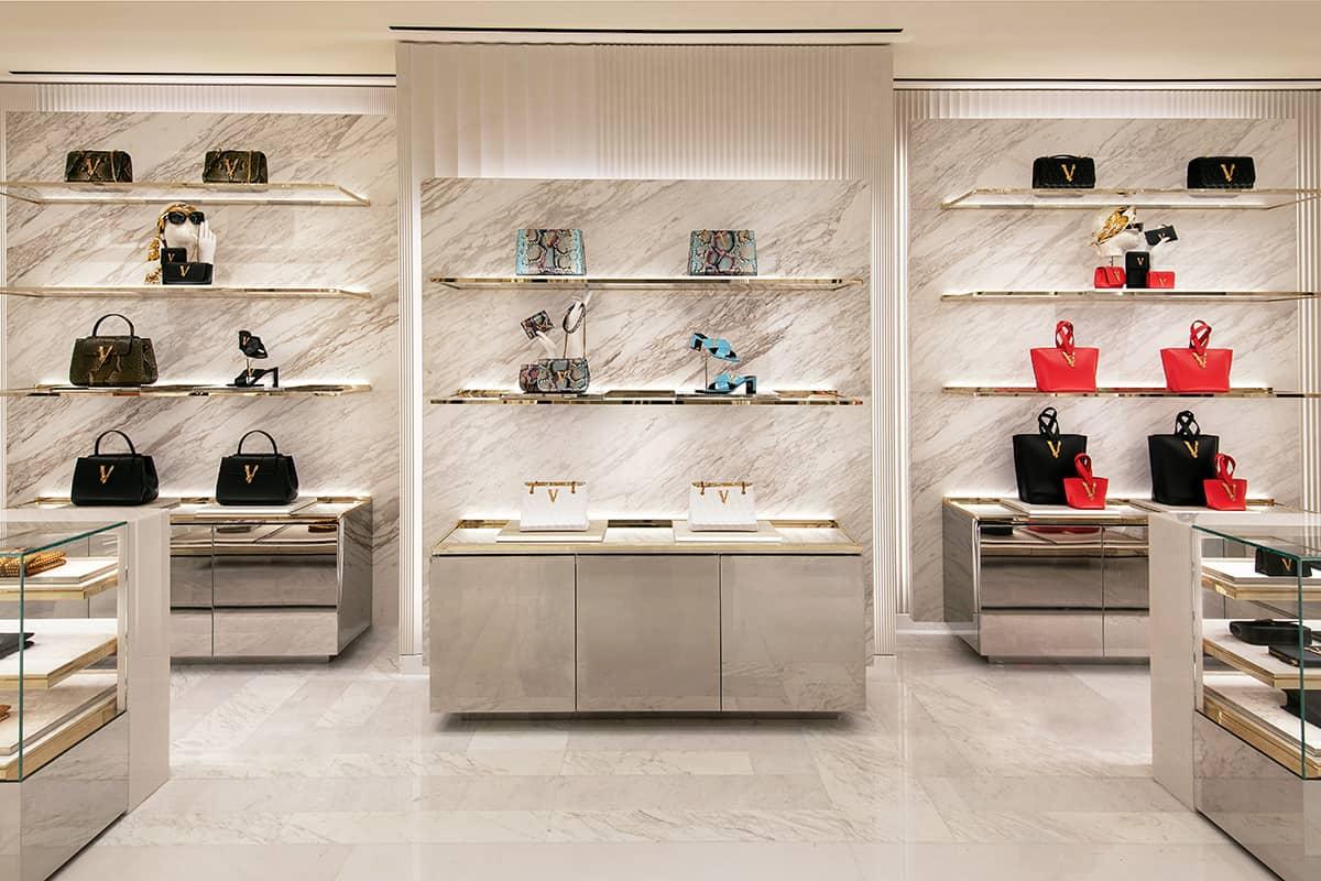 04 Making Of Light Il Lighting Designer è Necessario Versace Paris Inside 2