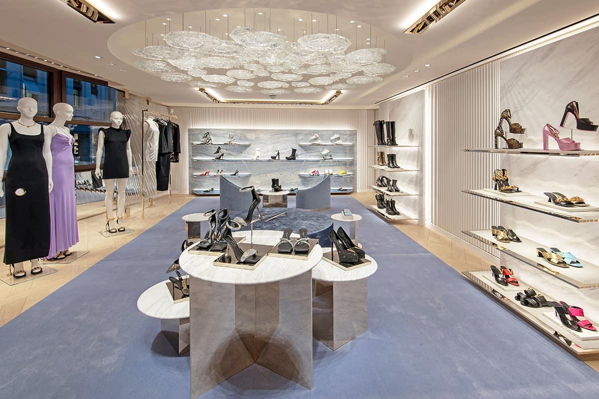 10 Making Of Light Il Lighting Designer è Necessario Versace Paris Inside 1